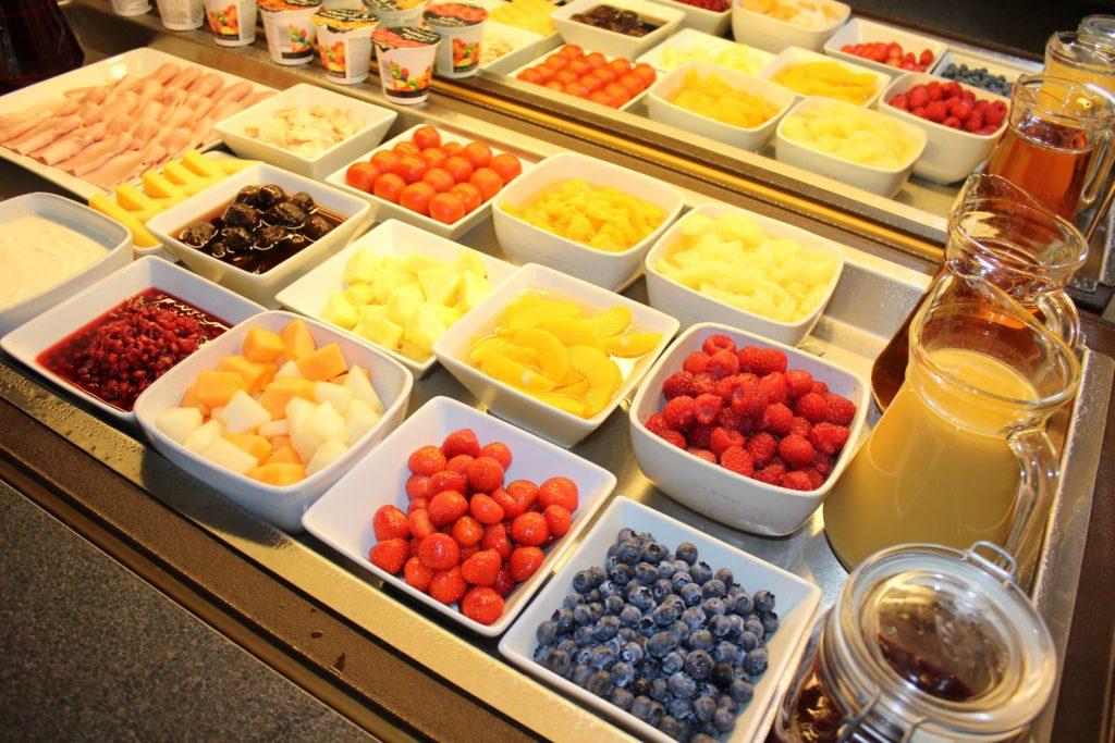 1 Breakfast LG